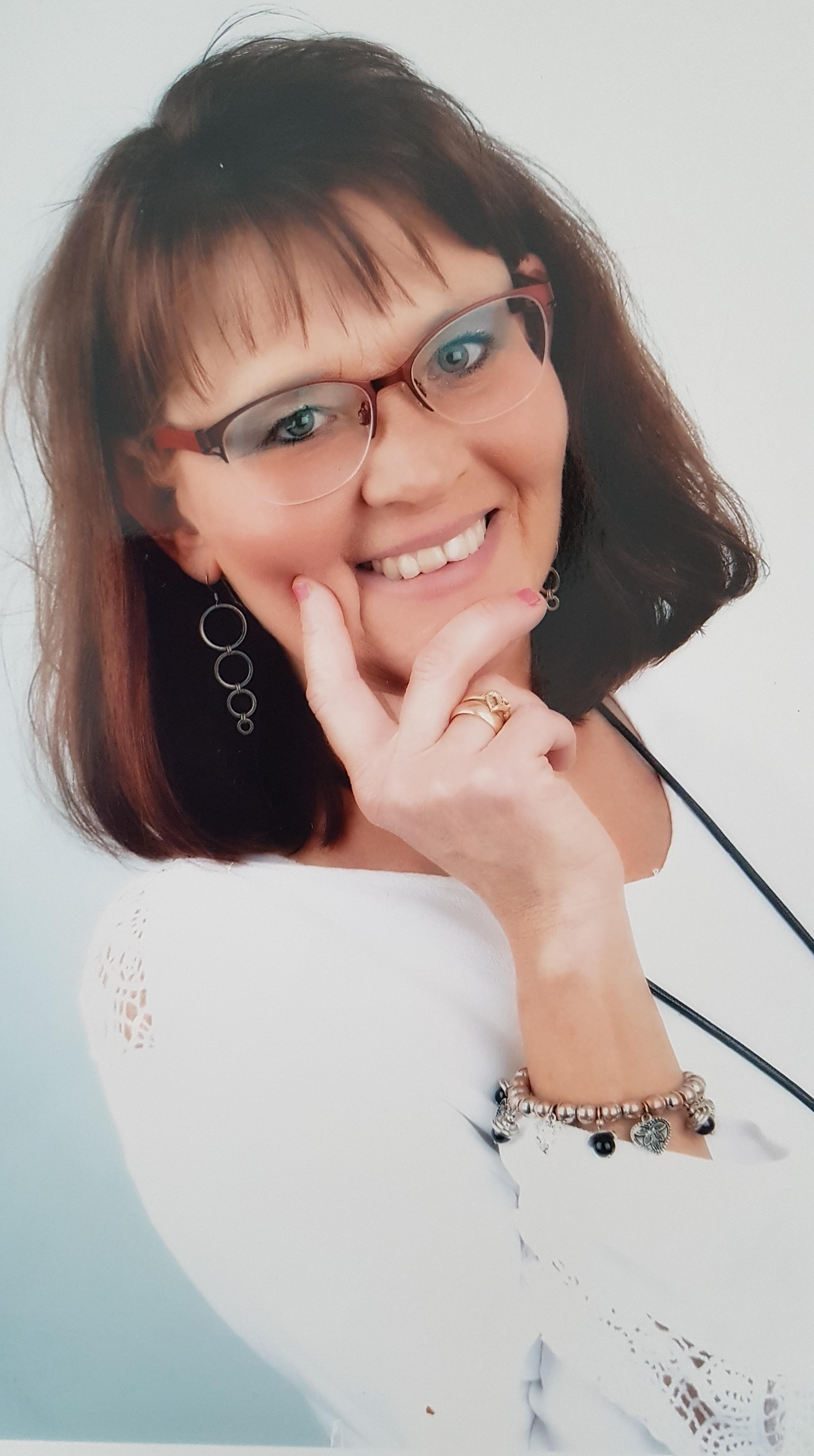 Carola Claesson de Beau, Karuna Reiki® Master Holy Fire IIl & Certifierat Medium
